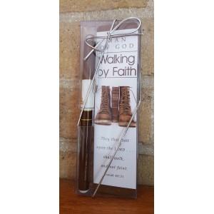 Pen en Boekenlegger 'Walking by Faith'